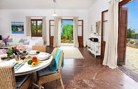 Spacious traditional Greek Islands Villa with a location hard to beat