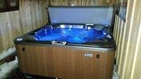 1 block to Lake Village Hot Tub Pool Table