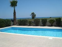 3 Bedroom 1 Bathroom 1 Cloakroom Air Conditioning Free Wi-fi and Sea View