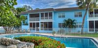 Lovely 2 Bedroom 2 Bath Pool Front Ground Floor Condo Steps From Holmes Beach