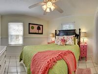 2 bedroom 1 bath this one is great for Familys