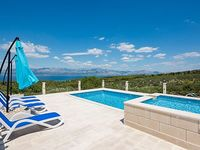 Situated in Mirce in the Brac Island provide a Exclusive vacation
