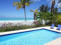 1 bedroom beach cottage Pool available only from mid May to early November