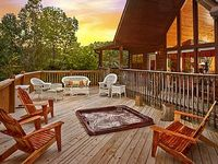 125 WEEKDAY 150 WEEKEND AUG AND SEPT 1 MILE FROM DOLLYWOOD SLEEPS 11