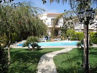 2 Bedroom 2 5 Bathrooms Private Pool Secluded Garden Close to the Beach