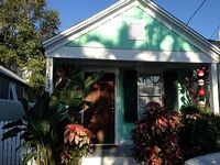 Quaint Conch House Located In Historic Bahama Village