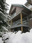 3 Level 3 Bed 2 5 Bath Townhome Private Hot Tub Walk To Everything Sleeps 8