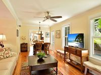 STARS 4 Beds 3 Baths Luxury Furnishings Excellent Centralized Location