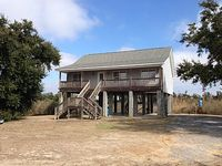 Beach House With 3 Bedrooms 2 Baths And Private Beach With Shade