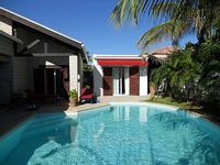 PRETTY INDEPENDENT VILLA SAFE COMFORTABLE WITH PRIVATE POOL