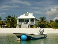 Great 4 Bedroom Beach House - Hot Tub Boat Kayaks Paddle Boards Included