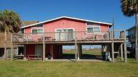 Coral Cottage - Colorful 3rd row beach home with view