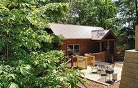 Pigeon Forge cabin near downtown LOVERS GETAWAY 165
