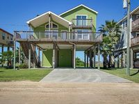 Beautifully renovated house with Gulf views nearby beach access - dogs okay