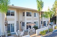 Siesta Key Beach Townhouse with Heated Pool and Accommodates up to 8 Guests