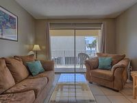 Condo 2 bedrooms 1 bath Sleeps 6