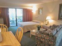 Efficiency Full Bathroom Lodge 2 in Ocean Creek Sleeps 4 Wi-Fi Pools