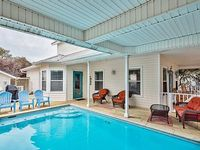 Amazing Beach House w Private Pool and great deck Call for Fall Break deals