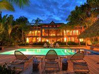Villa 6 Bedrooms 6 5 Baths Sleeps 12