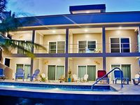 Twisted Palm Villas-Coco Suite