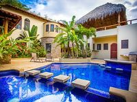 Beautiful Spacious Comfortable Home Located Steps from Playa Colorado