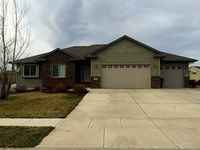 Nice clean large 5-Bedroom home between Sturgis and Rapid City