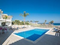 Protaras Holiday Villa ME16 - front line villa that sleeps 10