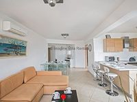 Fig Tree Bay apartment that sleeps 6 guests in 3 bedrooms