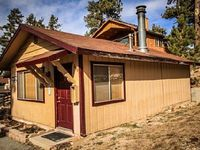 Cabin 1 Bedrooms 1 Baths Sleeps 4