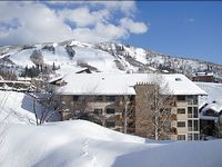 Ski In Walk Out Location Nicely Renovated Condo at Ski Area Base 202894-5421