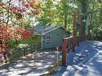 Beautiful Mountain View with 4 bedrooms 2 baths Hot Tub Seasonal Clubhouse Access and Pool Table