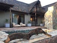 3 bedrooms 1 5 bathrooms African bush retreat