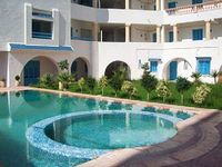 Colourful flat in Tantana Tunisia with air con terrace and pool 200m from the beach