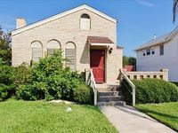 Endless Summer - Beautifully decorated home only blocks from the beach