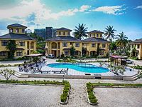 Spacious coastal villa in bustling Dar es Salaam Tanzania with 4 bedrooms air con WiFi and pool