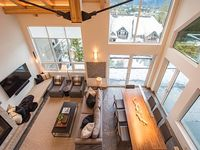 TRUE ski in out-Slopeside-Walk to Whistler Village-Dining-Happy HR-BOTH Gondolas