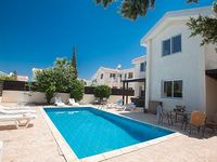 Protaras Holiday Villa MA14 - a villa that sleeps 6 guests in 3 bedrooms