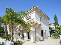 Two Bedroom Villa Sleeps 6