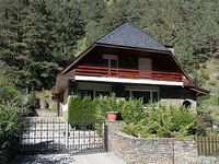 Typical chalet with garden and barbecue close to the ski resort