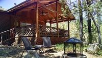 Newly Renovated 3 Bed 2 Bath Secluded Cabin Backing To The Natural Forest
