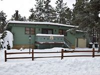 Perfect Country Club Getaway Newly remodeled