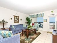 Cozy and romantic 1 bedroom condo with big ocean view and resort amenities