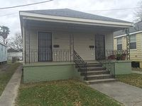 2 bedroom house in Gentilly near Dillard I-10 10 minutes from French quarter