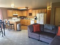 4 queen beds 2 bedroom 2 bathroom and limited water park passes