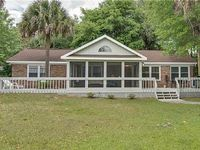Cute Affordable Vacation Home Easy Walk to Beach Pet Friendly