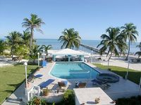 A6 Renovated condo with a fabulous view of the Barrier Reef