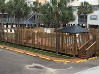 Downtown Gulf Shores Sleeps 6 and is Only Steps to the Complexes Private Beach