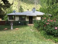 Oak Creek Canyon Cottage cozy and scenic minutes from downtown Sedona