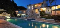 Villa Grendon House - Near Ocean Located in Stunning Sandy Lane with Private Pool