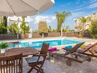 Villa Athena - Large Modern 3 Bedroom Villa with Private Pool - FREE WiFi
